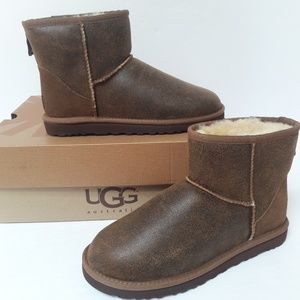 New UGG boots Mens 7 Women's 8.5
